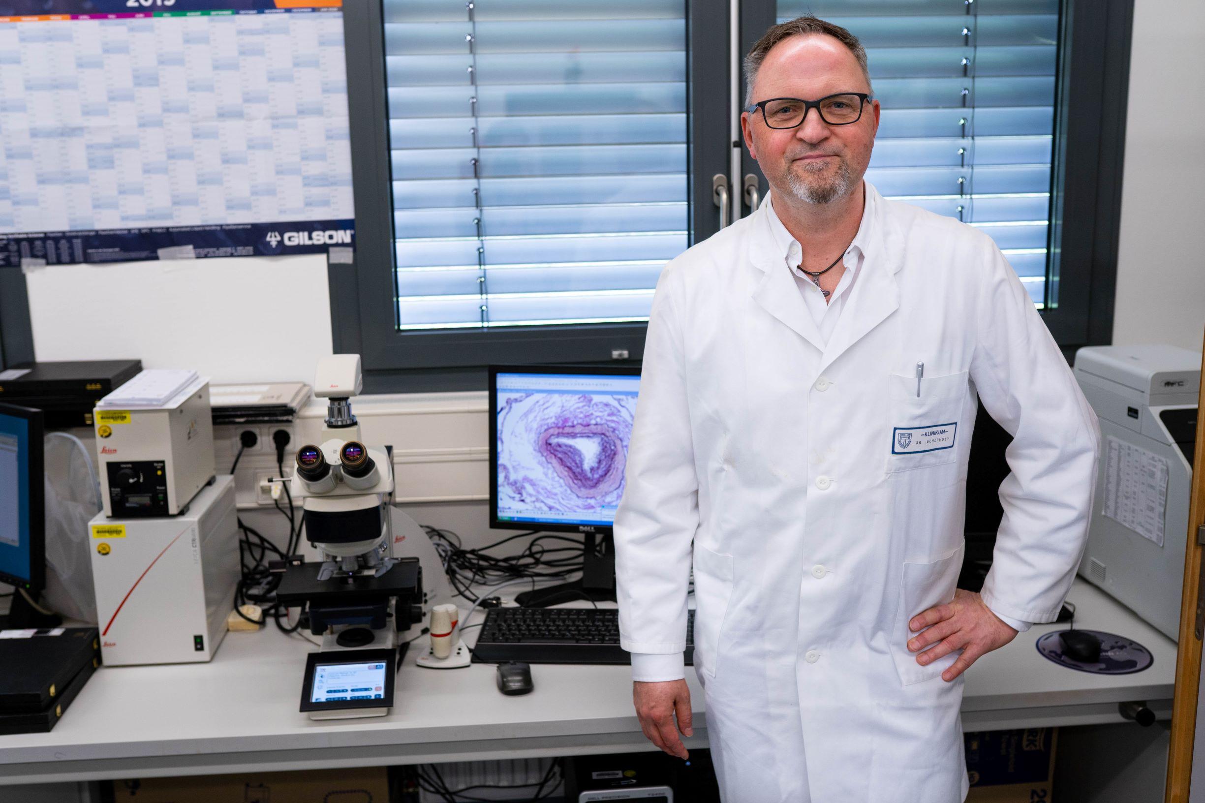 Prof. Dr. Ralph Schermuly vom Deutschen Zentrum für Lungenforschung am Fachbereich Medizin der Justus-Liebig-Universität Gießen